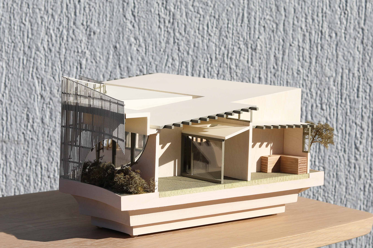 Bespoke presentation model made from a mix of Timber and Acylic for Cohen Leigh at 1:50